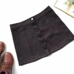 Forever 21 • black button front mini skirt